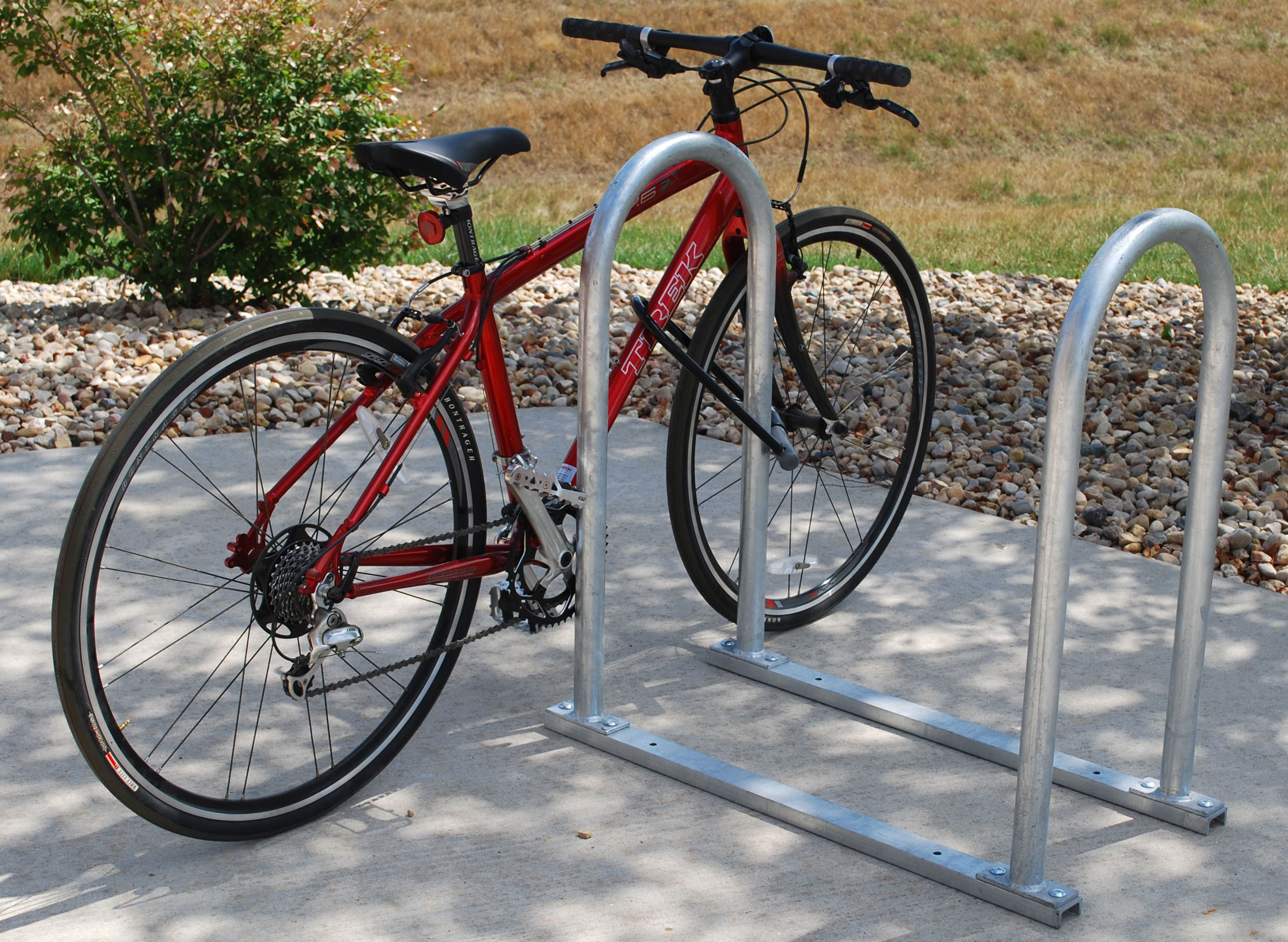 Madrax-U-rack-Rails-U190-4-G-(with-bike)