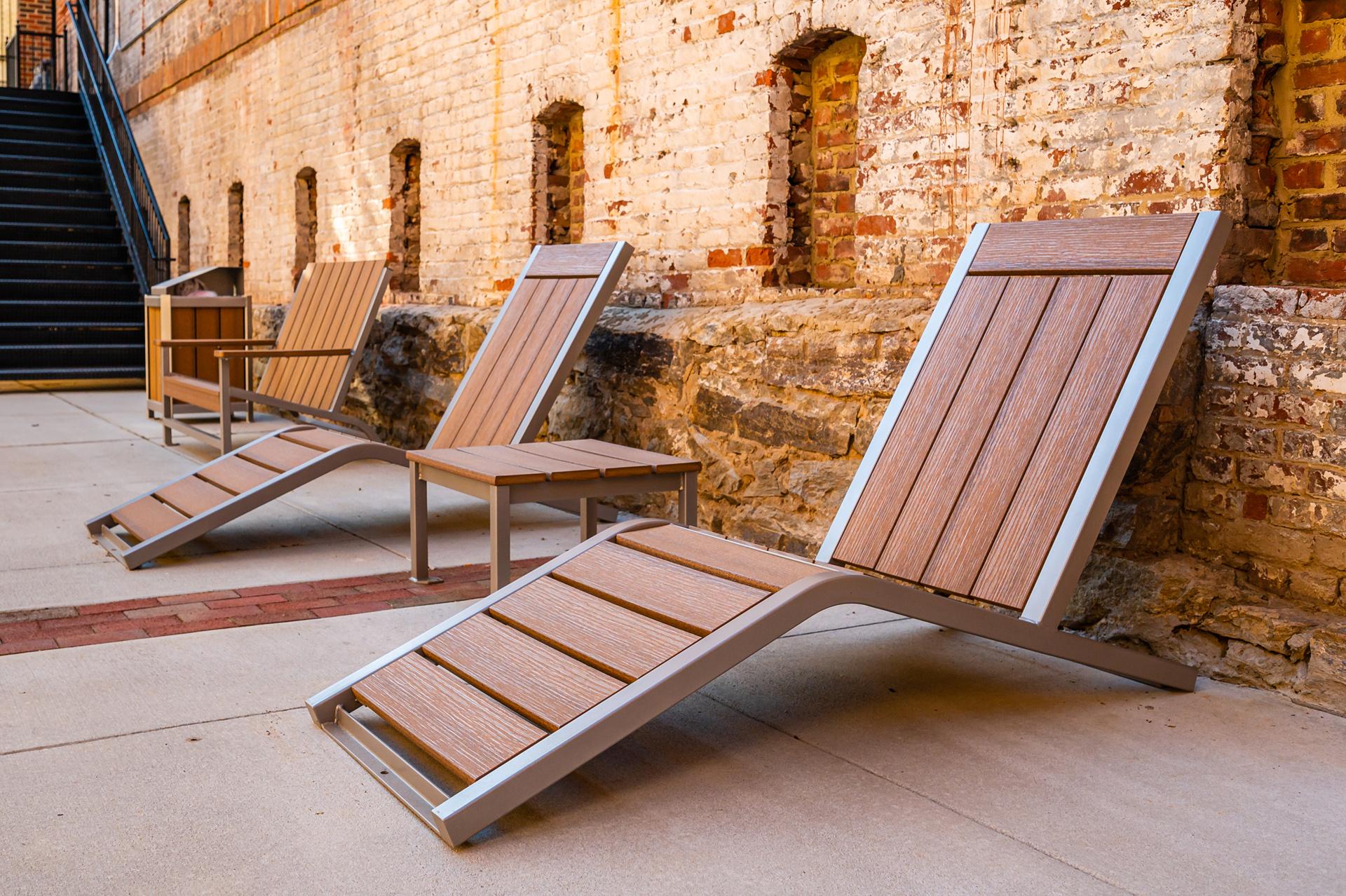 Monona Lounge Chair