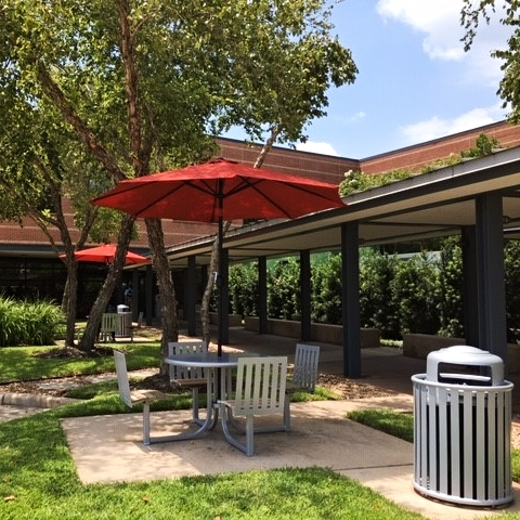 Ashton Courtyard Table